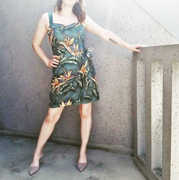 Paradise Found Dresses & Skirts - Paradise Found Green Wrap-Style Hawaiian Dress - M
